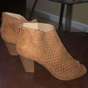 CL Laundry heels! NWOT!